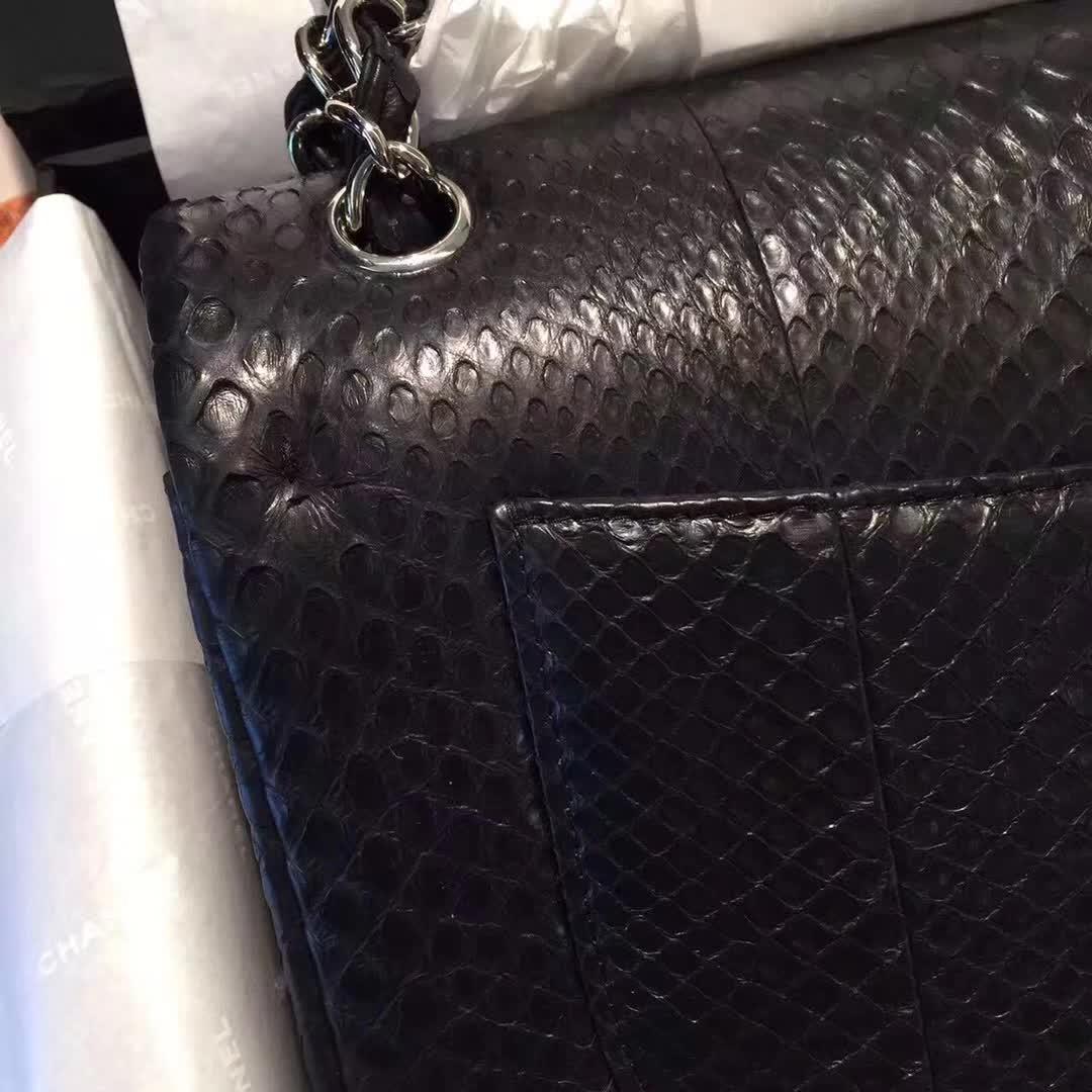 Chanel 香奈儿 Classic Flap 蛇皮 黑色 25cm 银