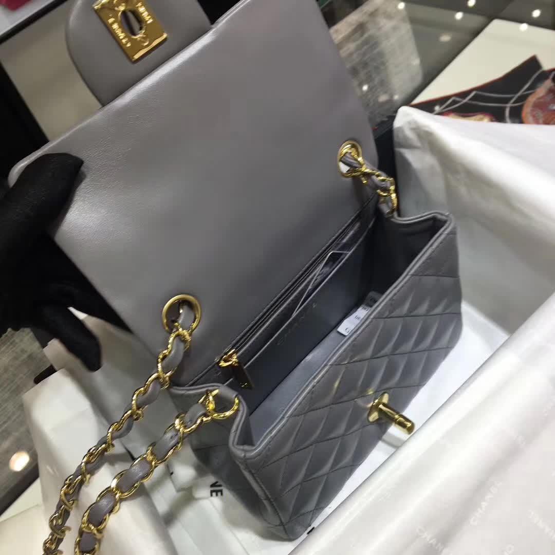 Chanel 香奈儿 Classic Flap 小羊皮 灰色 17cm  金扣