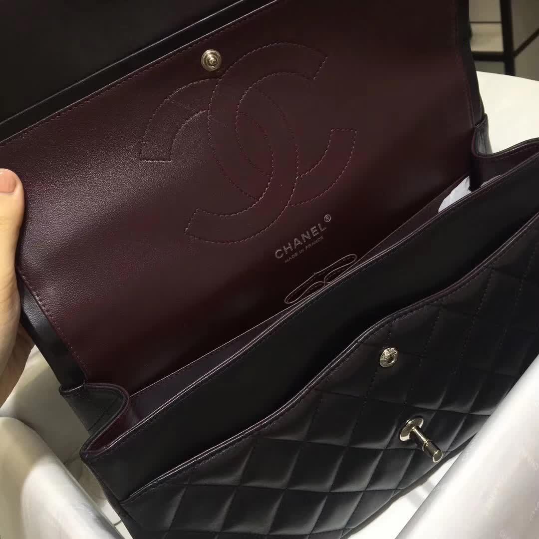 Chanel 香奈儿 Classic Flap 小羊皮 黑色 30cm 银五金
