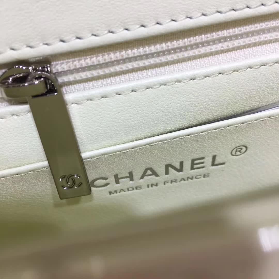 Chanel 香奈儿 ClassicFlap 漆皮 白色 20cm 五金:银扣