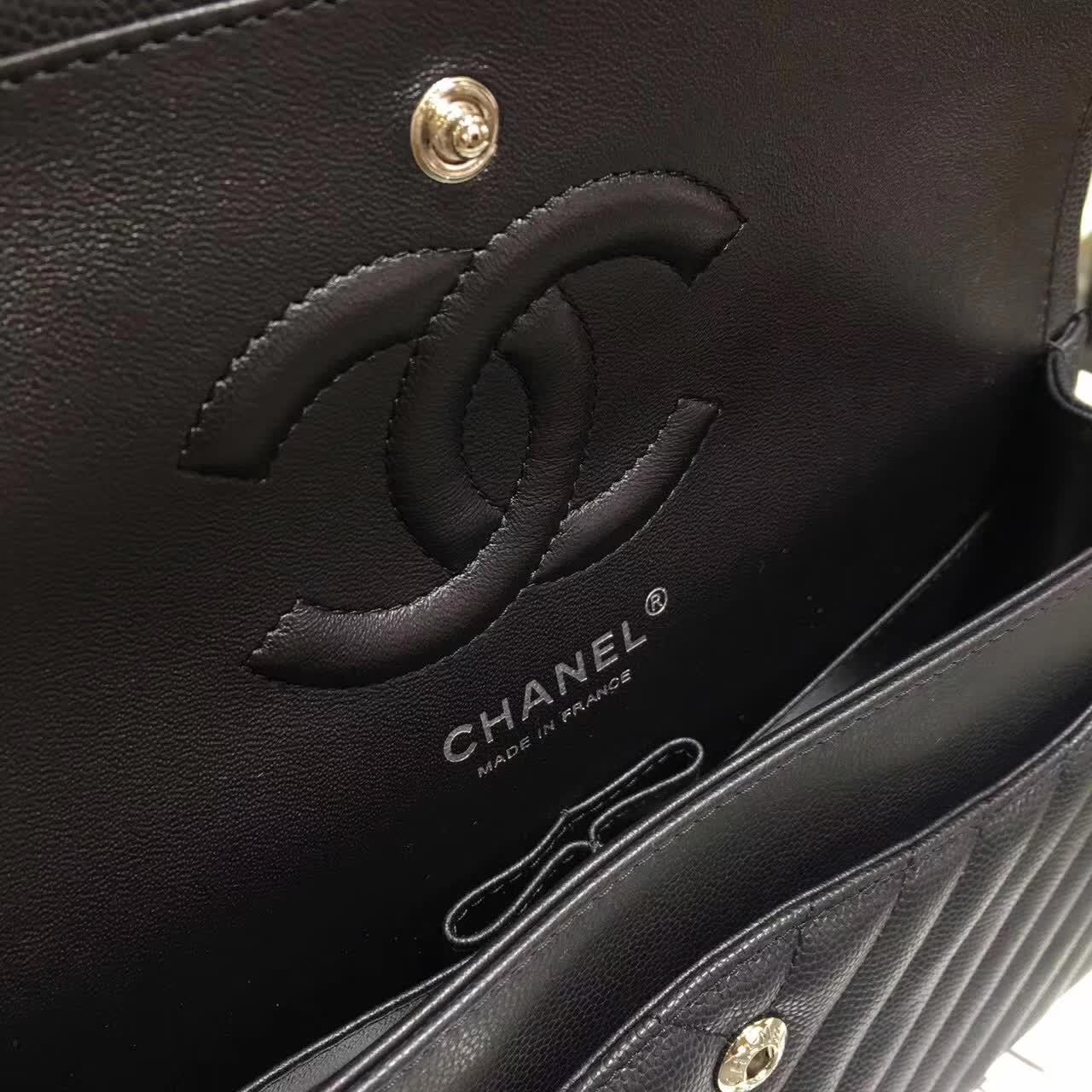 Chanel 香奈儿 V字绣 小鱼子酱 黑色 25cm 五金:银色