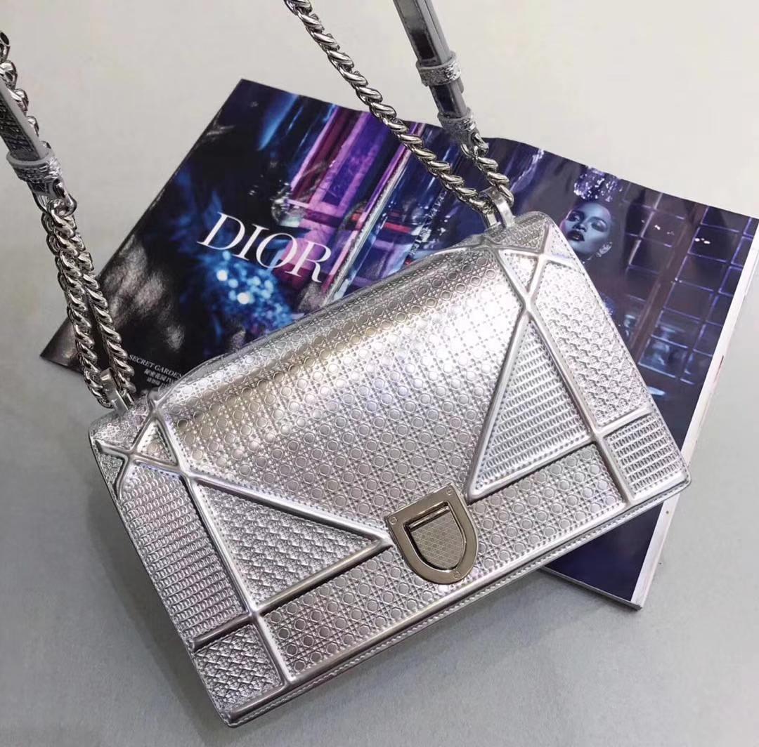 Dior 迪奥 漆皮/牛皮款 25cm  腾格纹 金属银 实拍图