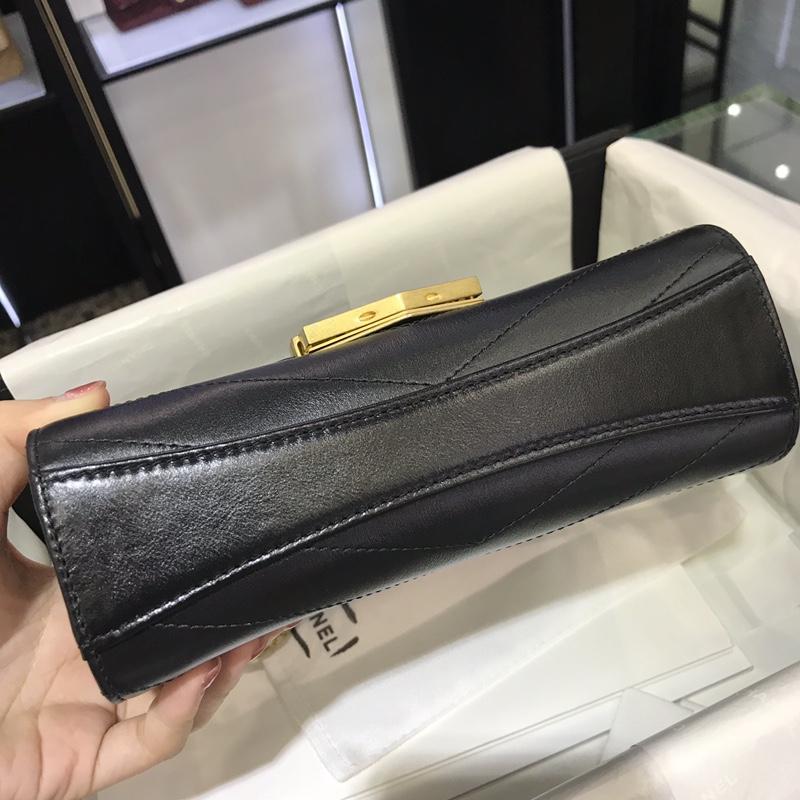 Chanel 新款 2018巴黎汉堡系列 进口牛皮 斜跨包 小号14x6x19cm 经典黑 现货