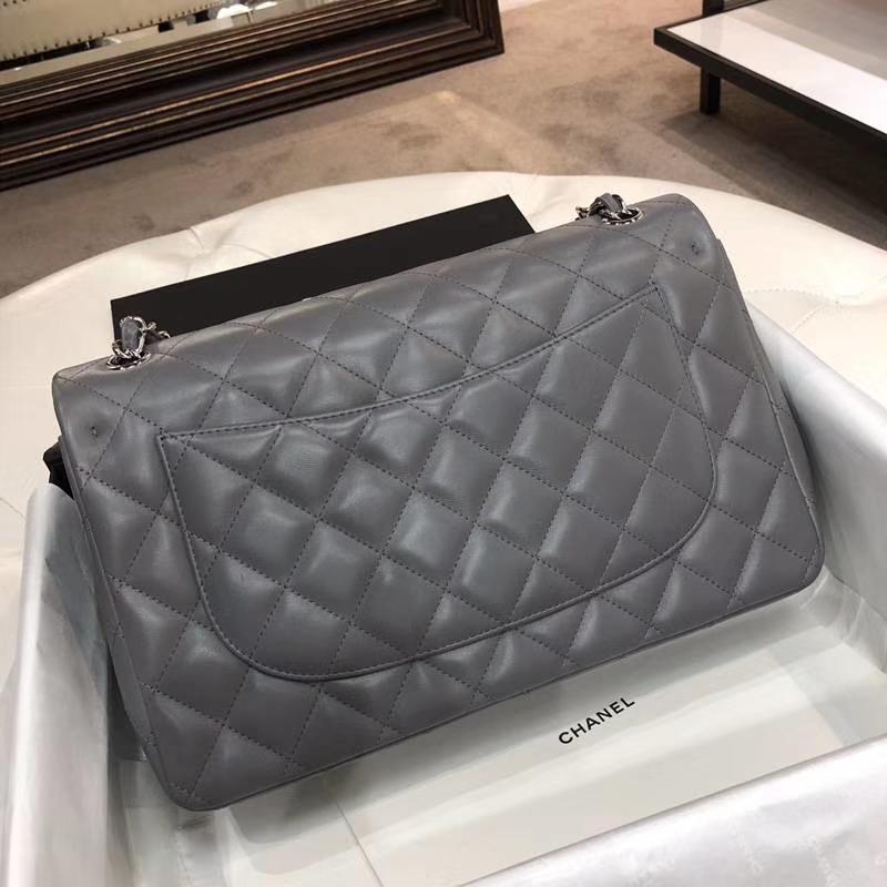 Chanel 香奈儿 Classic Flap Bag 进口小羊皮 30cm 现货 灰色 银扣