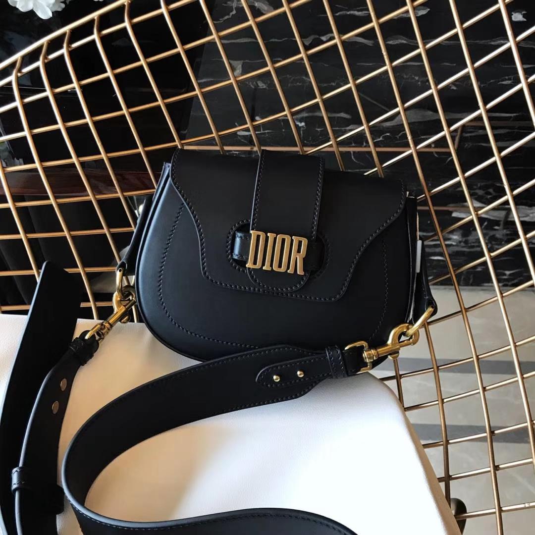 Dior 迪奥 小手提包 DIORAMA 黑色 牛皮马鞍包 22.5cm