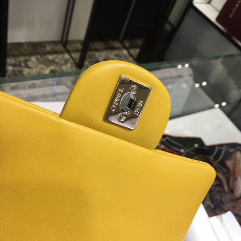Chanel 香奈儿 CF 经典系列 小羊皮 芒果黄 17cm 银扣 现货