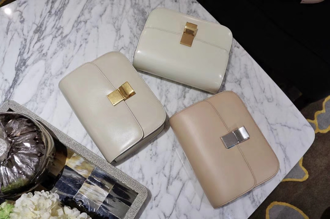 Celine 思琳 最新版本 box豆腐包 24cm 实拍 专柜同步 最新做法 优雅时尚 白色 金扣 红色 银扣