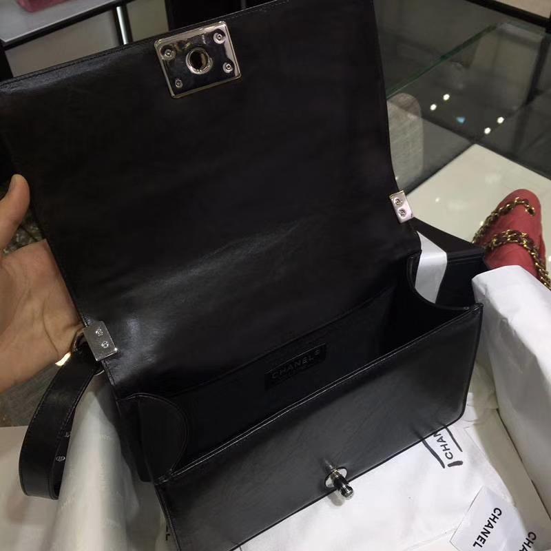 Chanel 香奈儿 Leboy Bag 手工链子 黑色 25cm 亮银扣