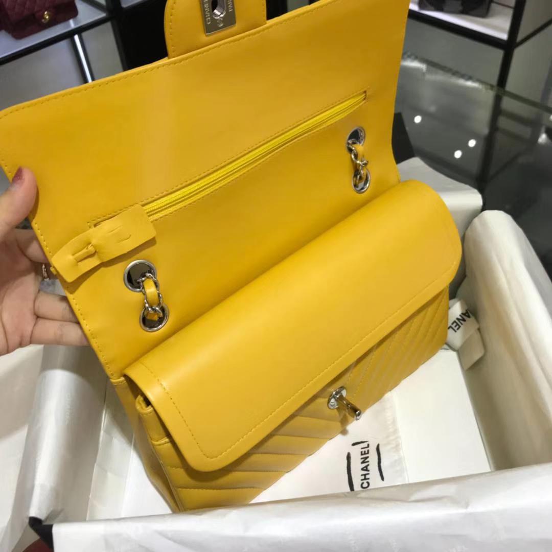 Chanel 香奈儿 V字绣系列 25cm 原厂皮小羊皮芒果黄 出货