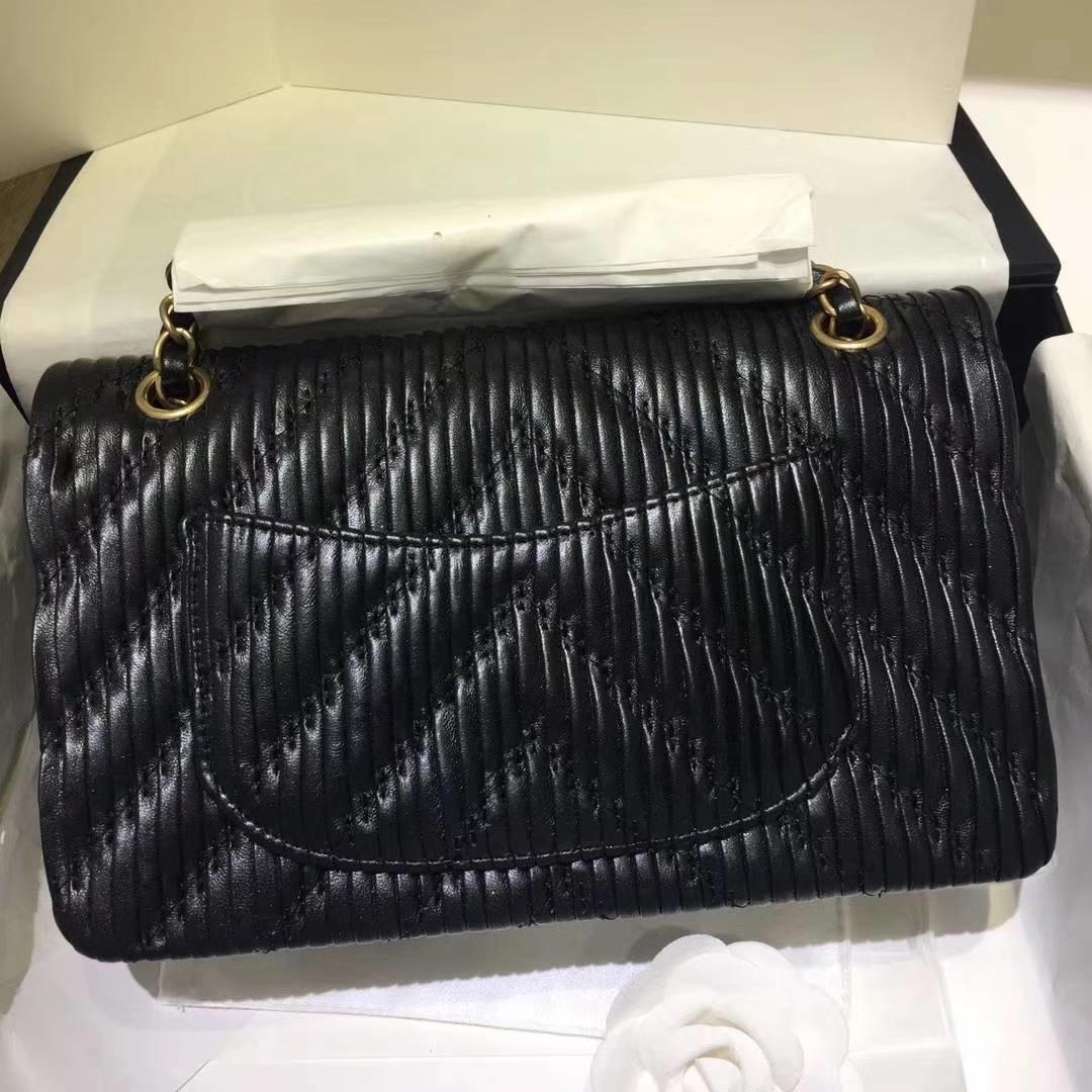 Chanel 香奈儿 希腊褶皱款 25cm 星空黑 磨沙金的质感 Chanel Classic Flap