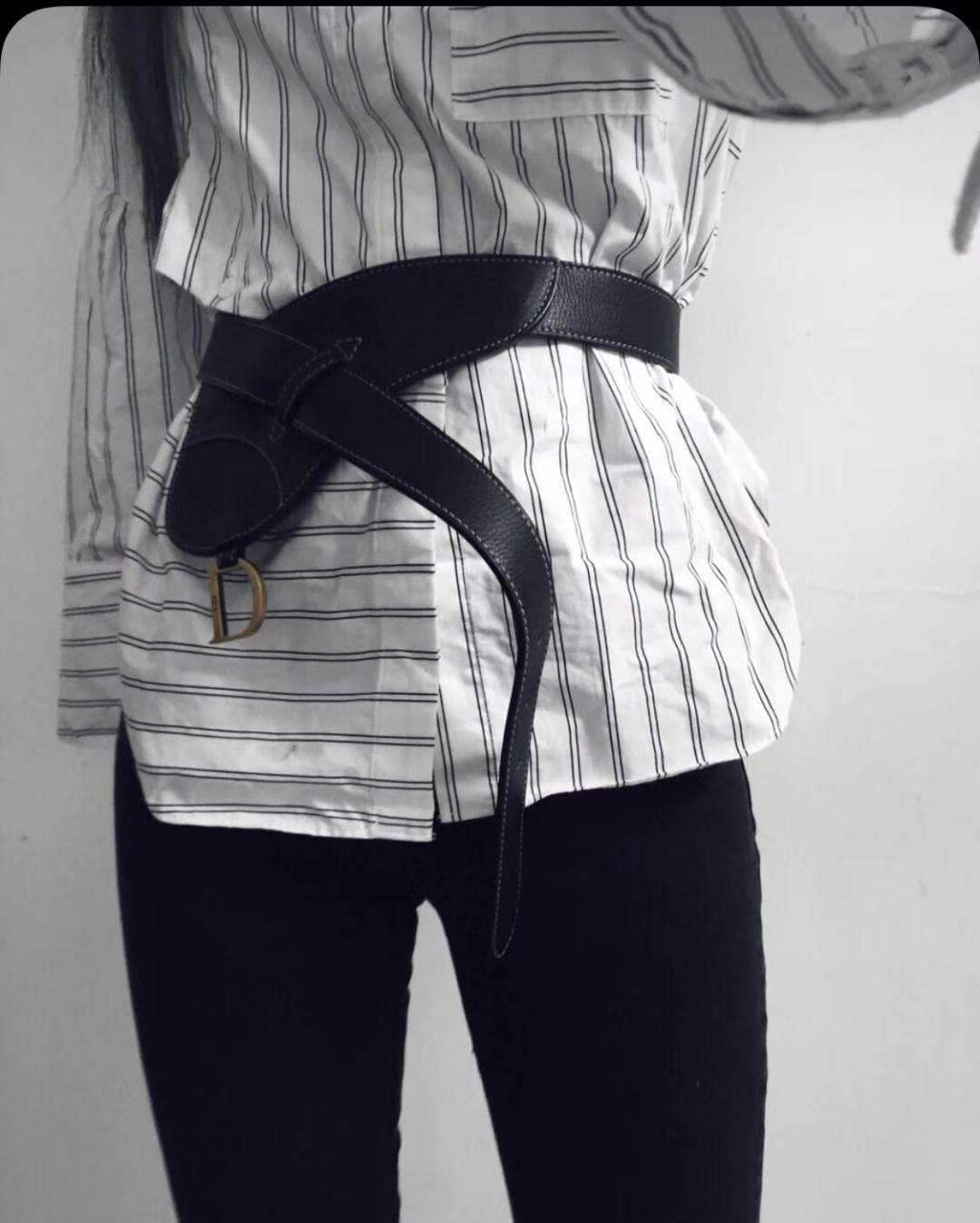 Dior 新款腰包 黑色 进口头层皮 小巧实用款