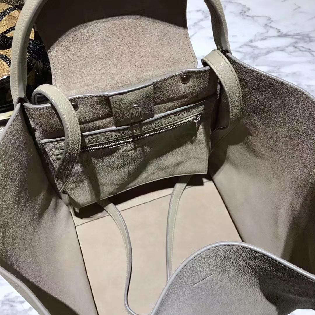 CÉLINE购物袋专柜同步发售  中号24x26x22cm 米灰色
