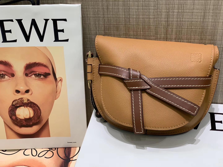 Loewe Gate系列 2019新色 斜挎中号 焦糖色
