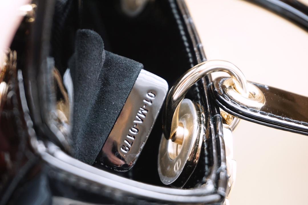 全新漆皮四格 金扣 进口漆皮 专柜品质 支持验货