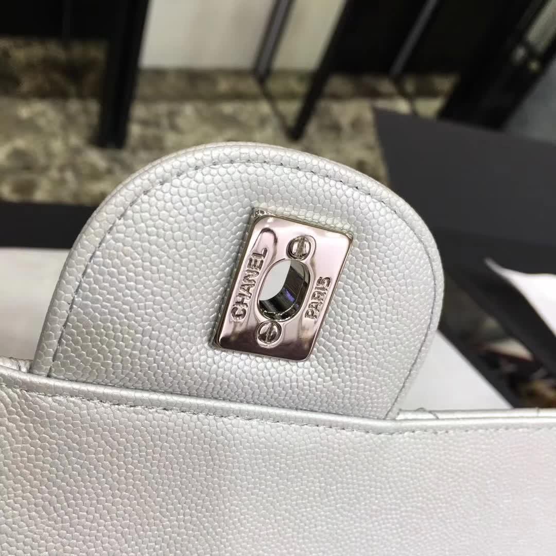 Chanel 香奈儿 ClassicFlap  小鱼子酱 银色 30cm  银