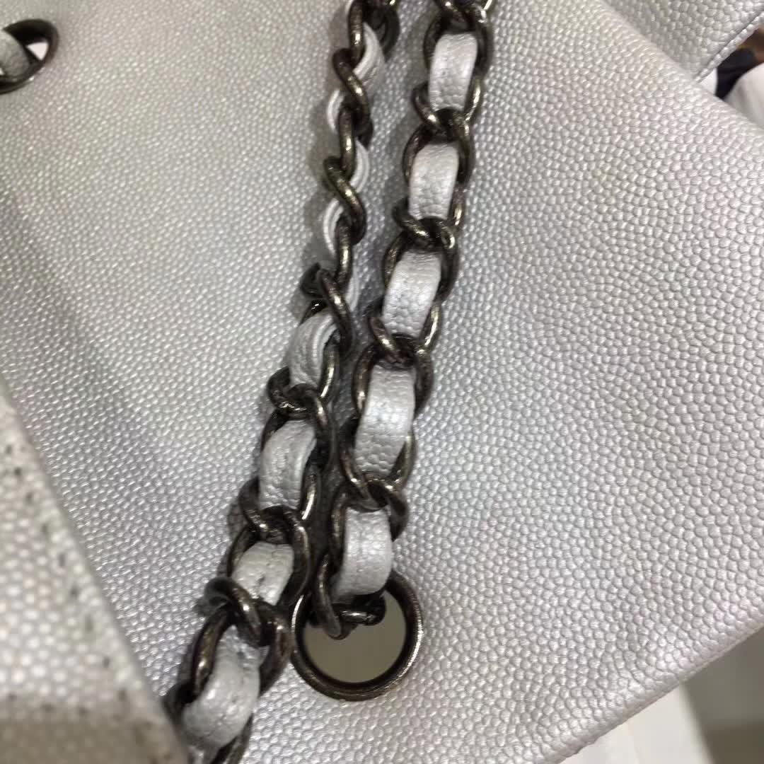 Chanel Classic Flap 鱼子酱 20cm 银色 复古银
