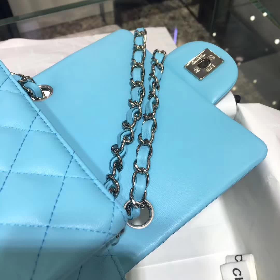 Chanel 香奈儿 Classic Flap 小羊皮  马卡龙蓝 17cm 银五金