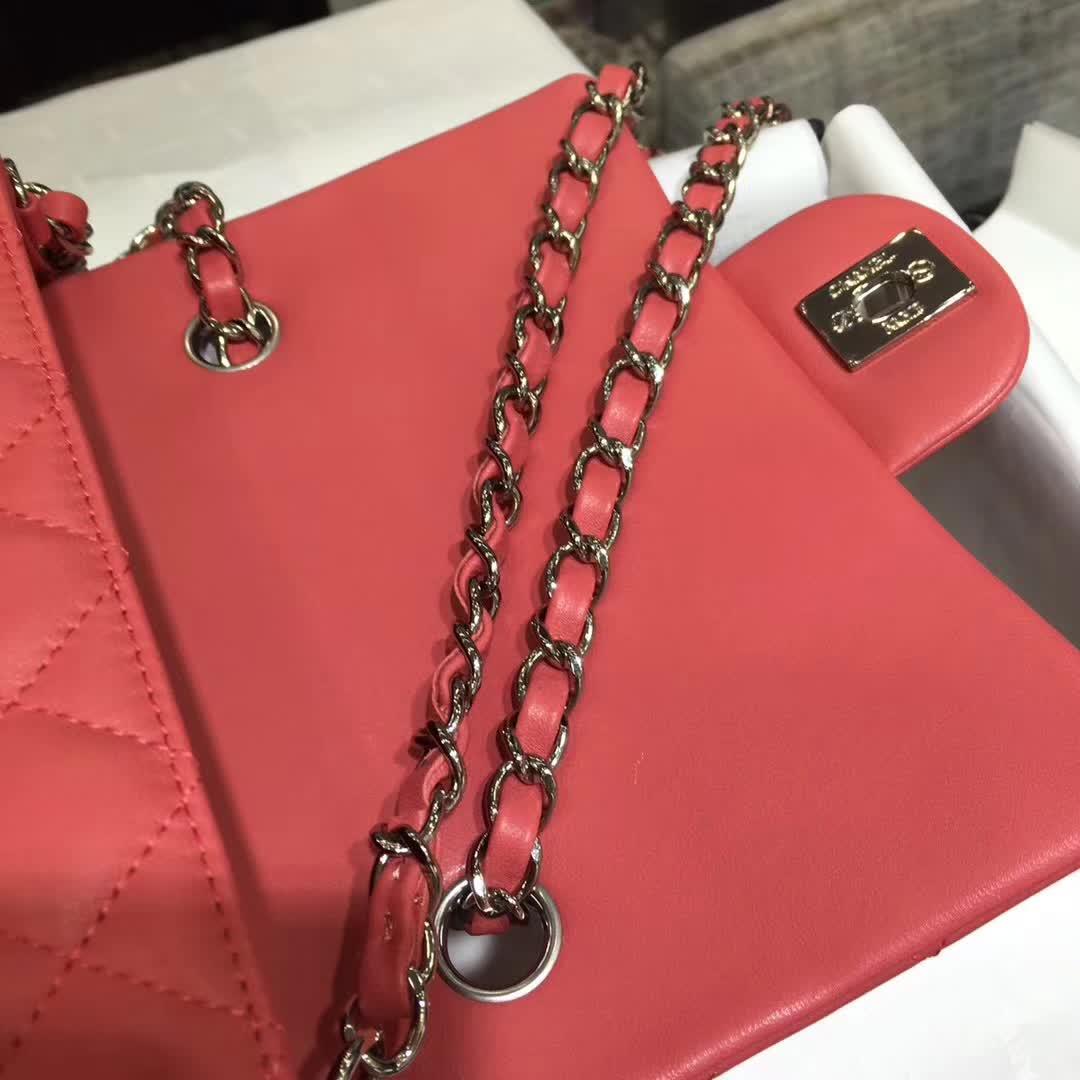 Chanel 香奈儿 Classic Flap 小羊皮 西瓜红 20cm 银五金