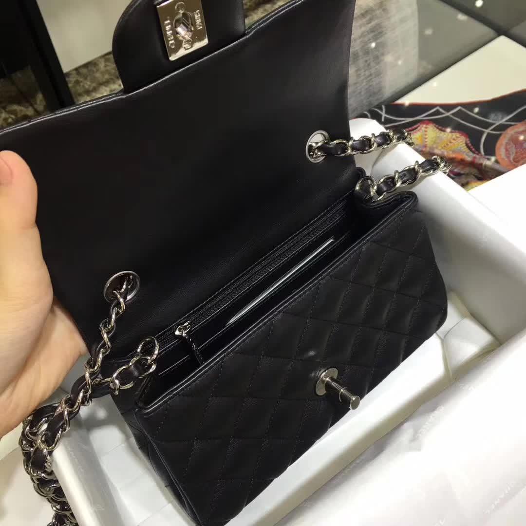 Chanel 香奈儿 Classic Flap 小羊皮 黑色 20cm 银扣 诚招代理