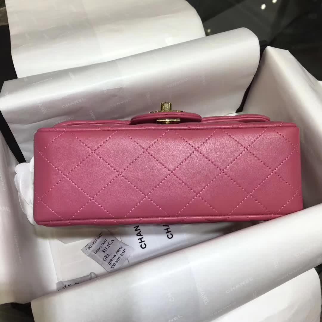 Chanel 香奈儿 ClassicFlap  小羊皮 桃粉 20cm 金扣