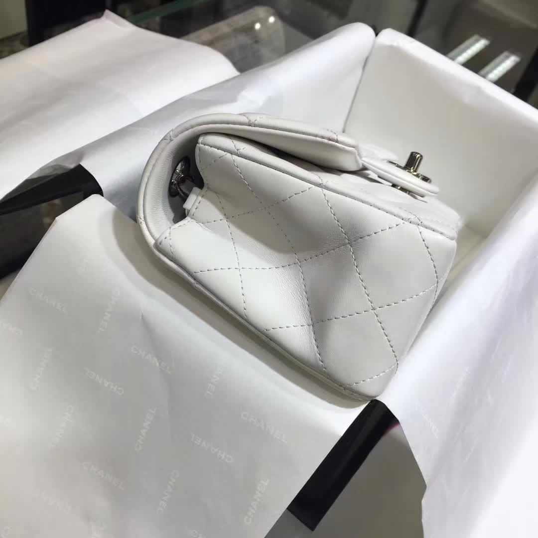 Classic Flap  小羊皮 白色 20cm  银 香奈儿官网同步 一件代发