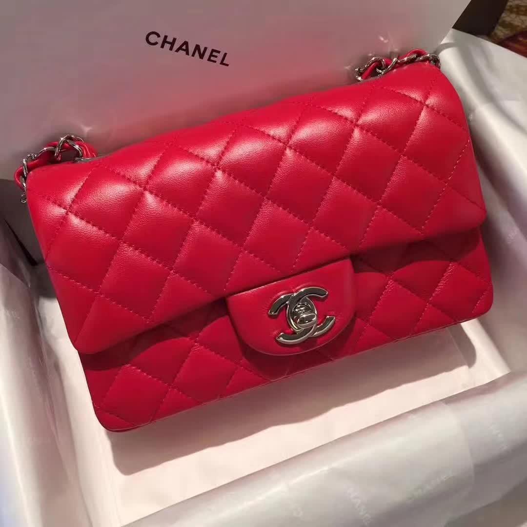 Chanel 香奈儿 ClassicFlap 小羊皮 大红 20cm 银五金