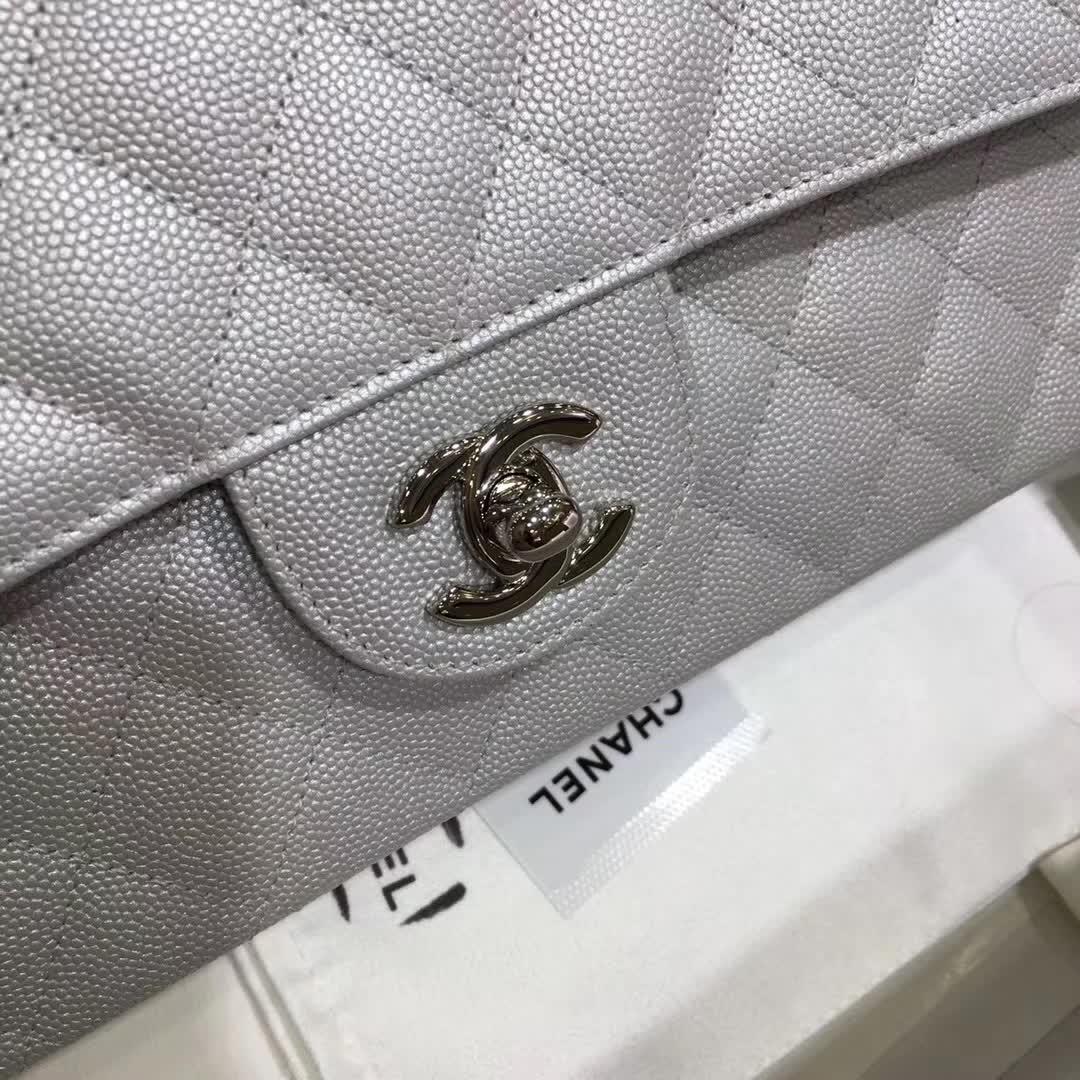 Chanel 香奈儿 Classic Flap 小鱼子酱 银色 25 银五金 (现货)