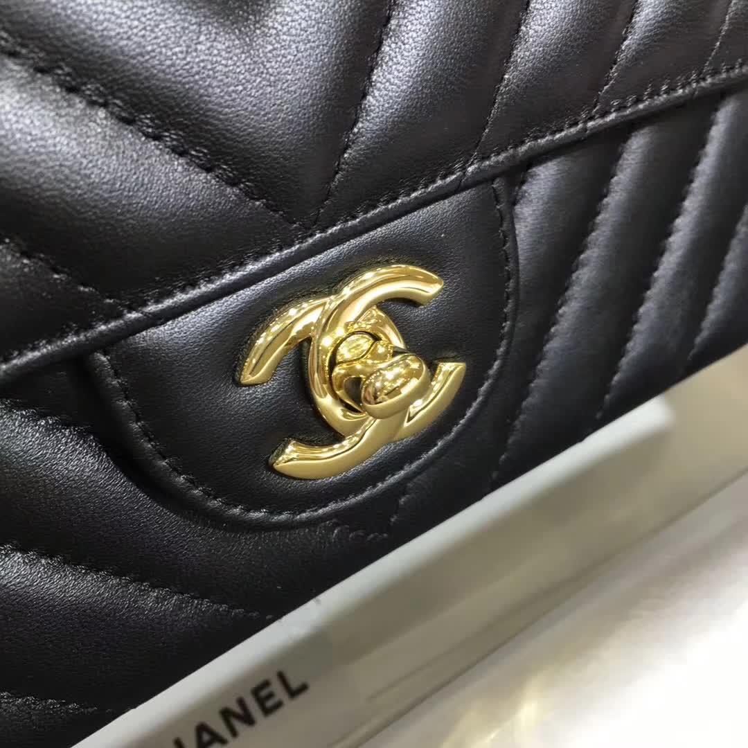 Chanel 香奈儿 V字绣 小羊皮 黑色 25cm 金色