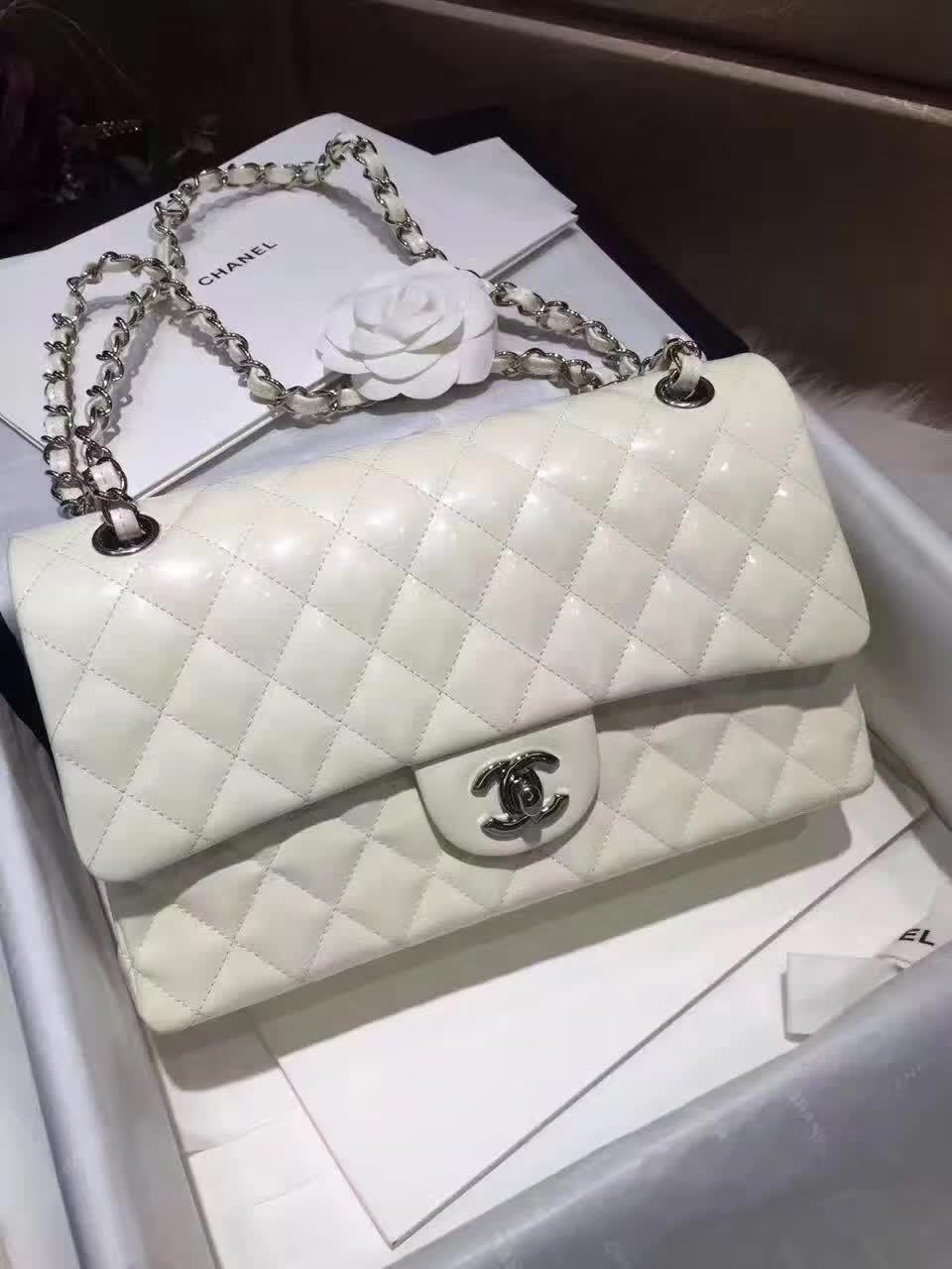 Chanel 香奈儿 ClassicFlap 羊皮 白色 25cm 五金:银