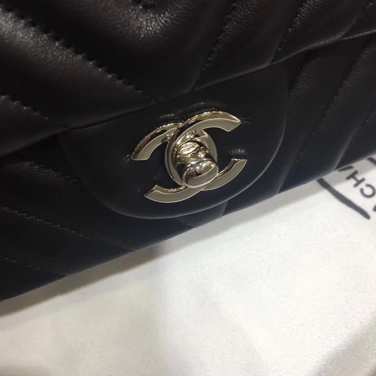 Chanel 香奈儿 V字绣 羊皮 黑色 25cm 五金:银色