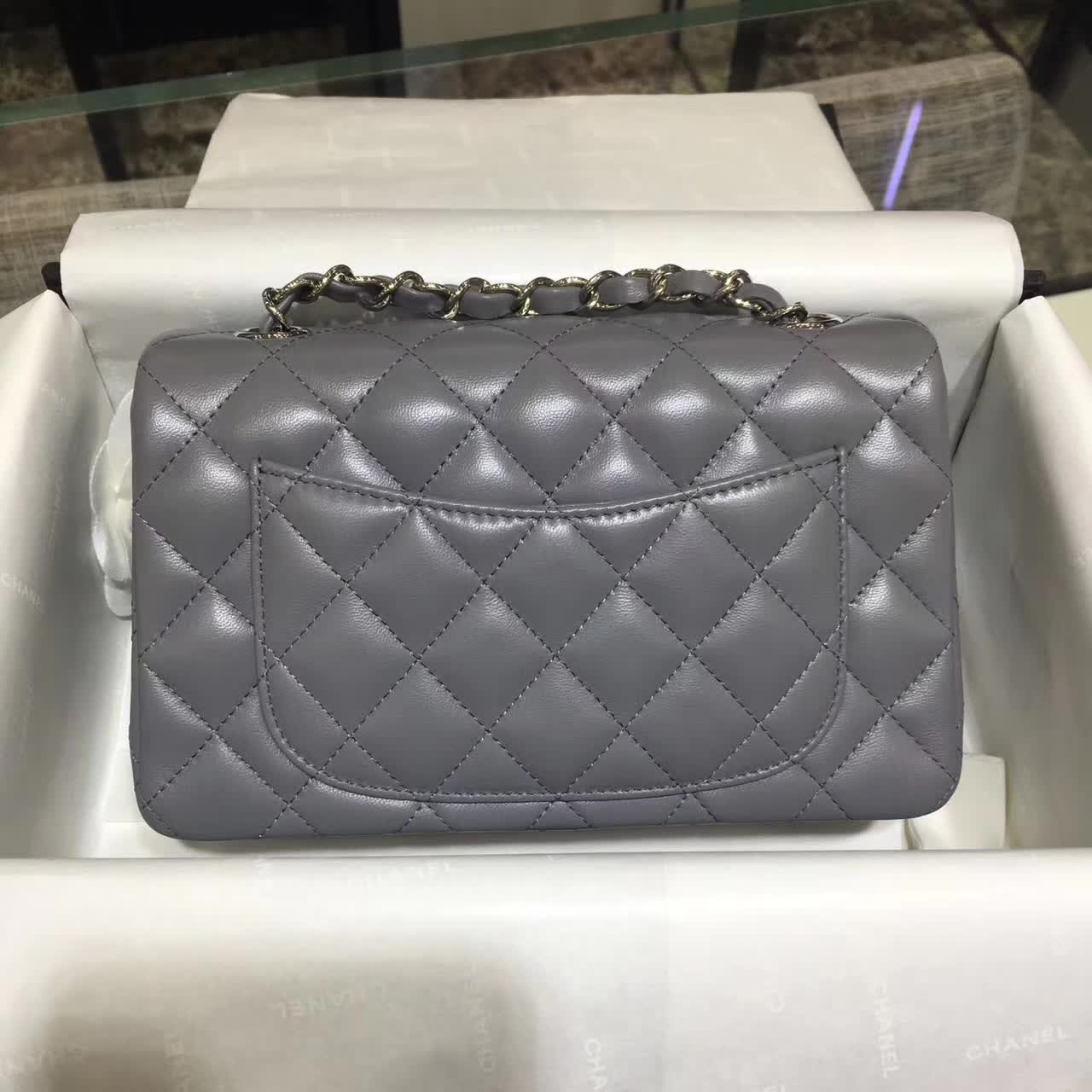 Chanel 香奈儿 Classic Flap 小羊皮 灰色 20cm 五金:银色