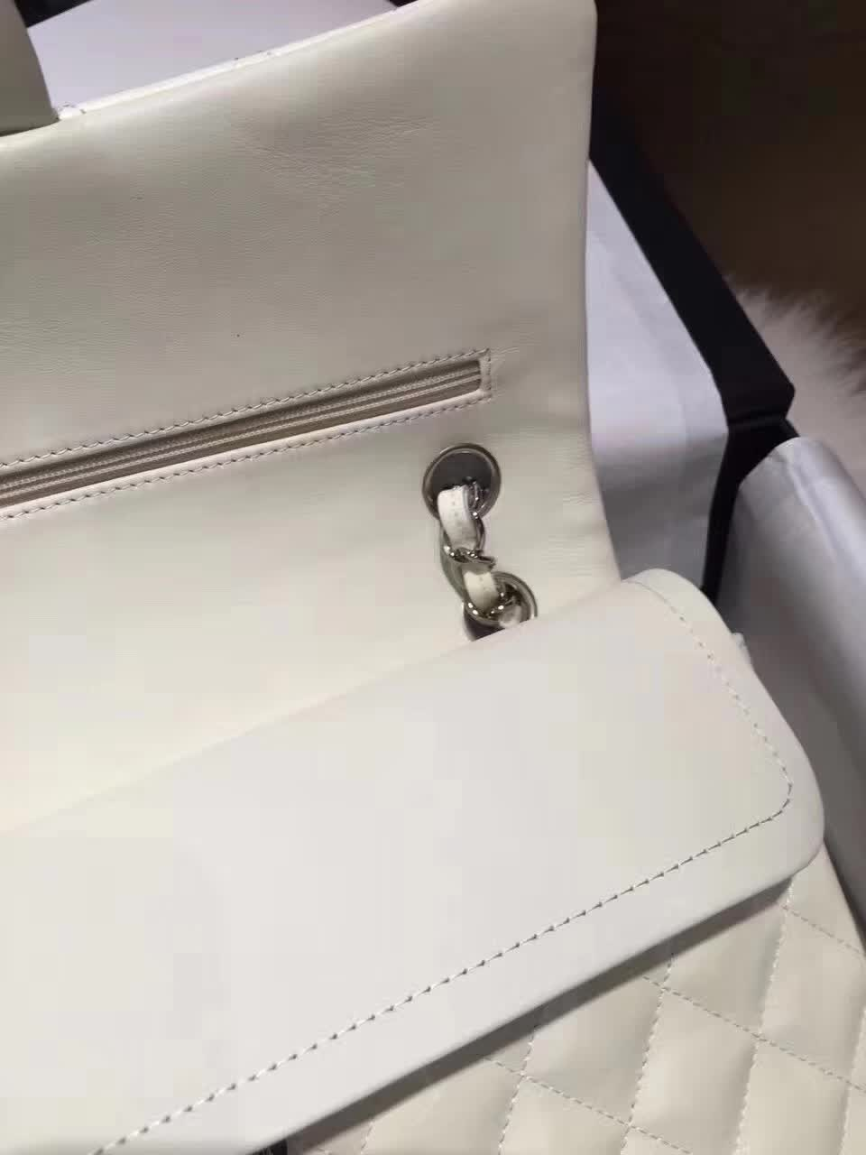 Classic Flap 漆皮 白色 25cm 银扣(现货)