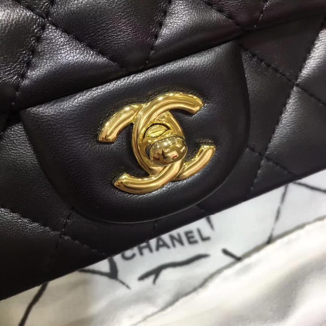 Classic Flap 小羊皮 黑色 17cm 金扣(现货)