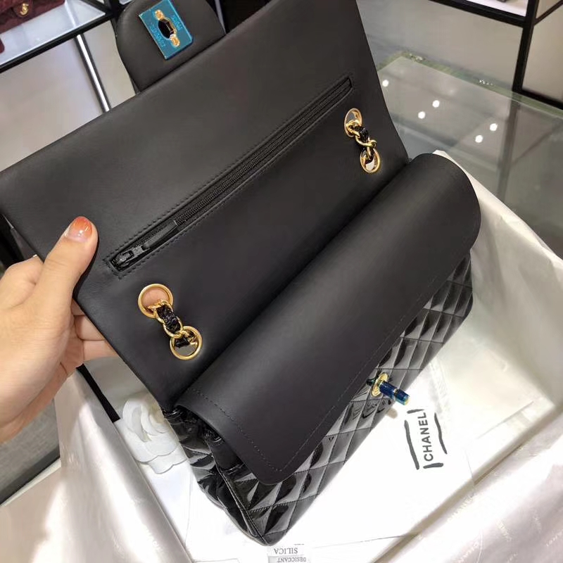 CHANEL 香奈儿 Classic Flap Bag  进口漆皮 25cm 感受细节 感受工艺 黑色 金扣