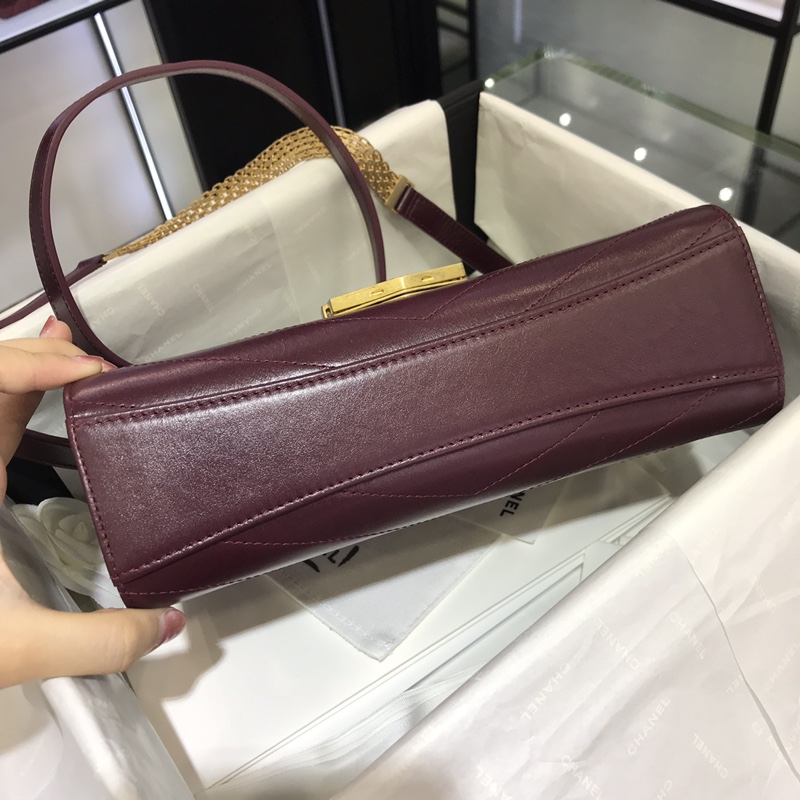 Chanel 新款 2018巴黎汉堡系列 进口牛皮 斜跨包 中号16x7x23cm 复古紫 现货