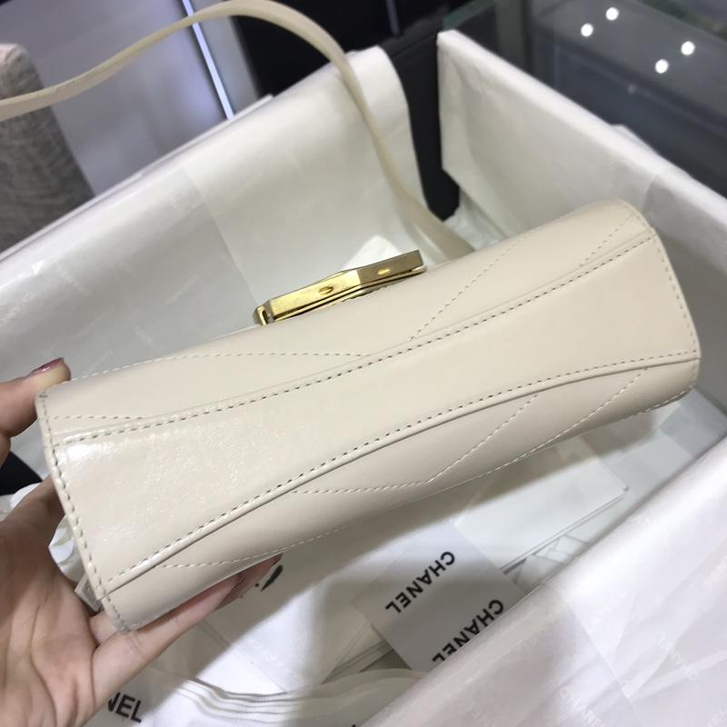 Chanel 2018巴黎汉堡系列 进口牛皮 斜跨包 小号14x6x19cm 奶白色现货 新款