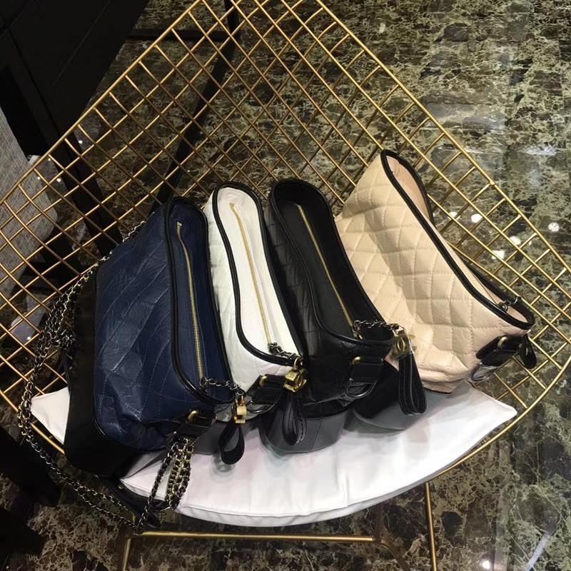 Chanel 香奈儿 小香流浪包 进口头层羊皮 小号20cm 大号28cm 白色 黑色 蓝色 浅杏色