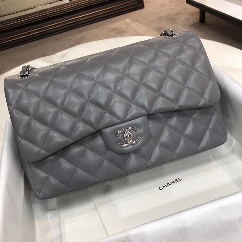 Chanel 香奈儿Chanel Classic Flap Cf 羊皮 锡器灰 30cm 银扣~现货