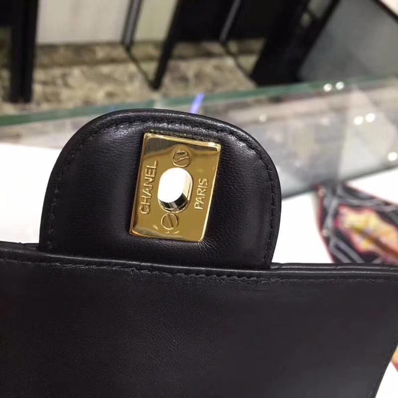 Chanel 香奈儿 V字绣 17cm 小羊皮 金扣