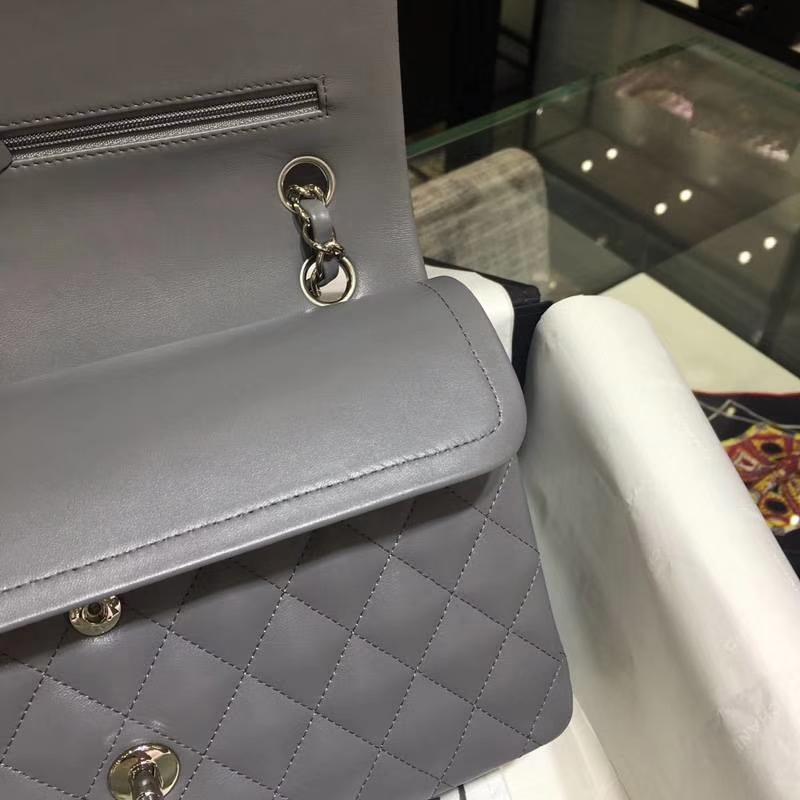 Chanel 香奈儿 Classic Flap Bag 进口小羊皮 25cm 现货  锡器灰 银扣