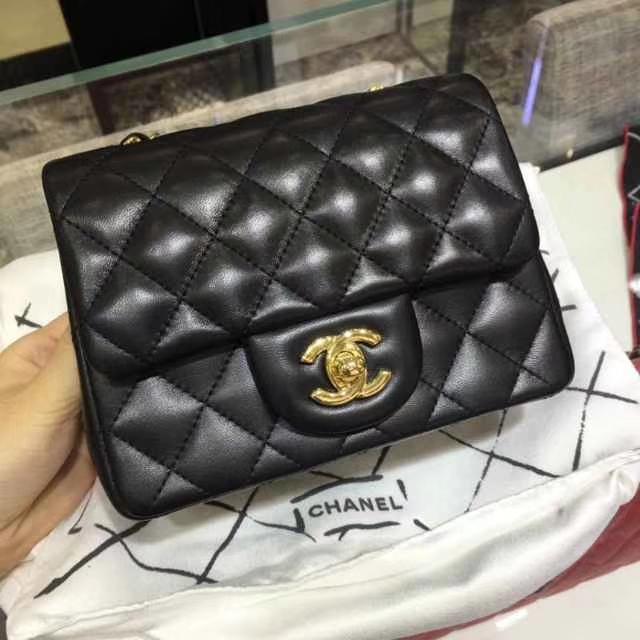 Chanel 香奈儿 Classic Flap Bag 进口小羊皮 17cm 现货 黑色 金扣