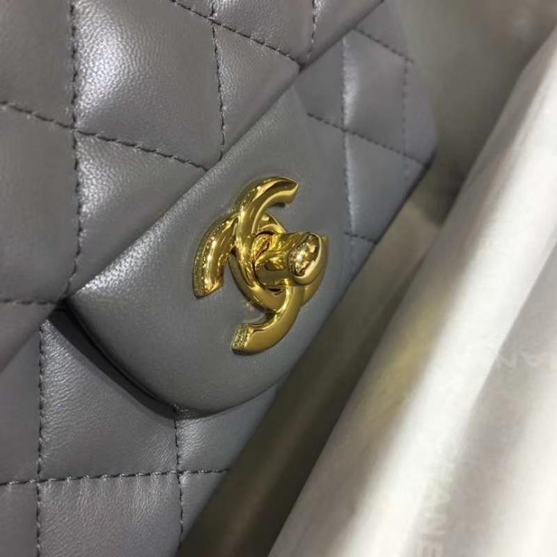 Chanel 香奈儿 Classic Flap Bag 进口小羊皮 17cm 现货 锡器灰 金扣