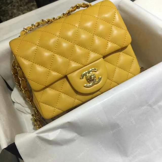 Chanel 香奈儿 Classic Flap Bag  Imported lamb skin 进口小羊皮 17cm 现货 芒果黄 金扣