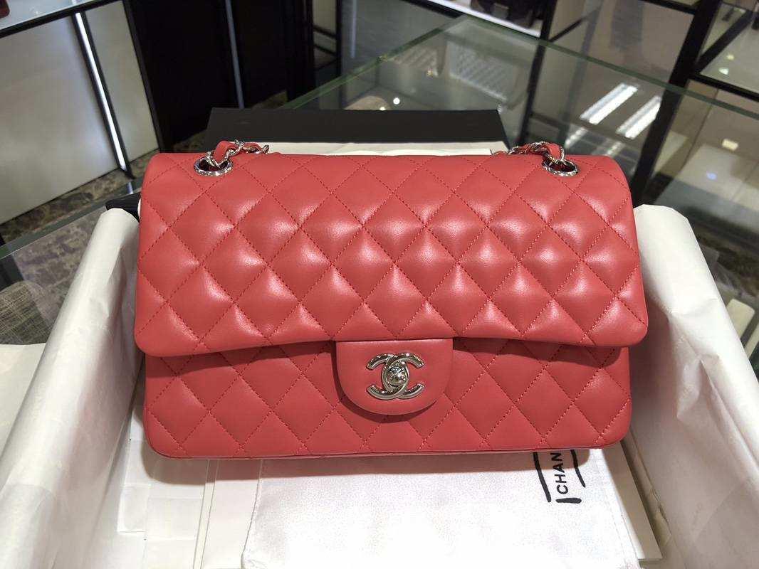 Chanel 香奈儿 ClassicFlapBag 小羊皮 25cm 西瓜红 金扣 纯正品开发 顶级的工艺 进出专柜无压力
