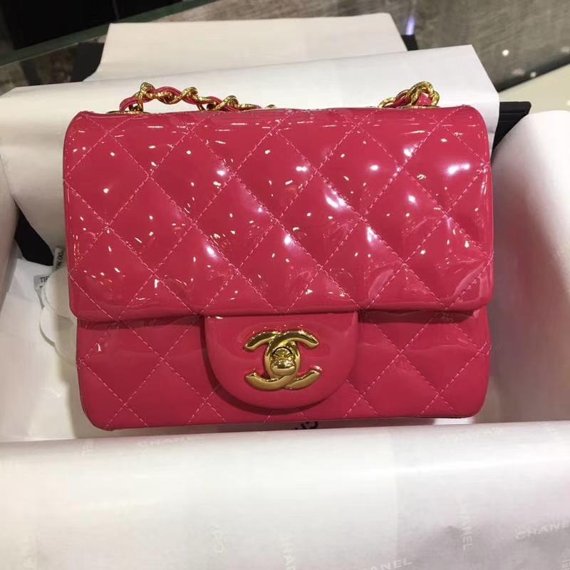 Chanel 香奈儿 Classic Flap Bag  进口漆皮 17cm 玫红色 金扣