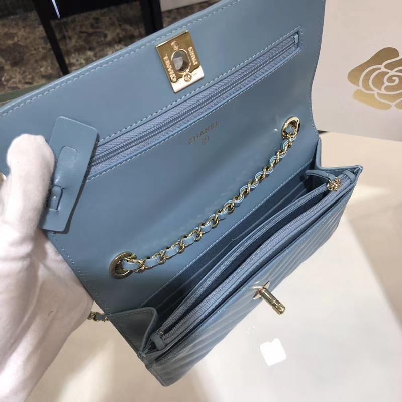 Chanel 香奈儿 WOC 发财包V字绣 小羊皮 20cm 梦幻蓝