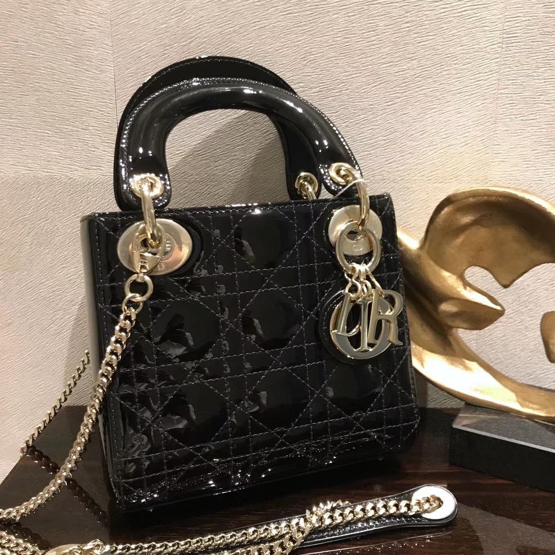 Dior 迪奥 小号 戴妃包 Lady Dior 17cm漆皮戴妃 现有颜色 黑色 银扣