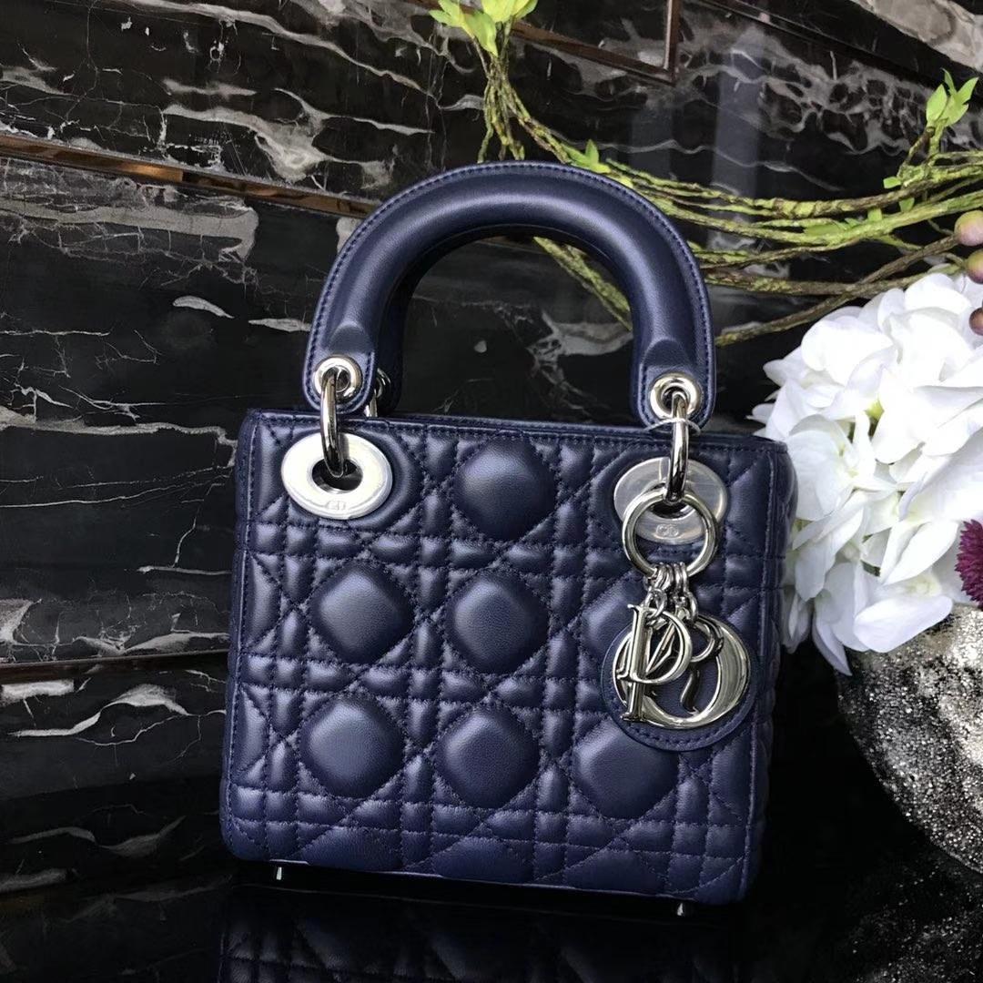 Dior 迪奥 小号 戴妃包 Lady Dior 17cm羊皮戴妃 现有颜色 电光蓝