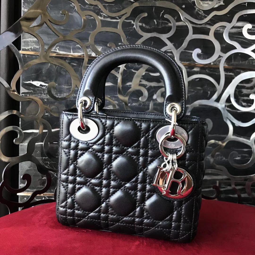 Dior 迪奥 小号 戴妃包 Lady Dior 17cm羊皮戴妃 现有颜色 黑色