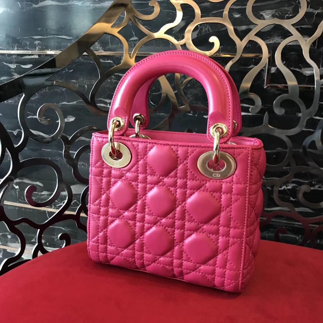 Dior 迪奥 小号 戴妃包 Lady Dior 17cm羊皮戴妃 现有颜色 玫红色 桃红色